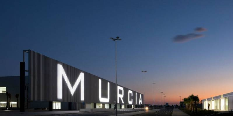 News: King present at the opening of new Murcia airport
