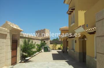Resale - Detached Villa - La Manga - La Manga - Town