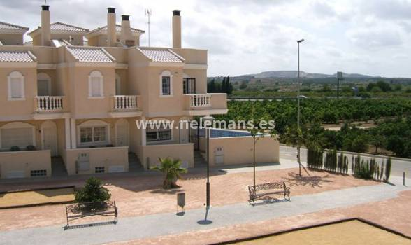 Townhouse - Resale - Heredades - Heredades - Village